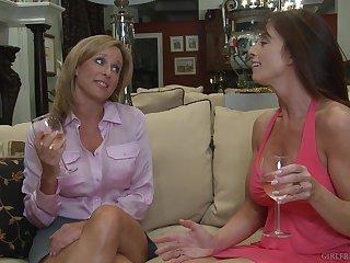 Grown up lesbian pornstar babes Prinzzess and Bibette Blanche