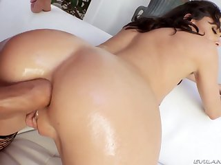 Ardent whore with mentally retarded booty Lexi Wily wanna be analfucked hard