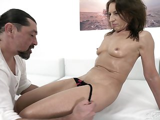 Mature brunette whore Shell-game gets a cumshot on her tight asshole