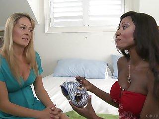 Interracial lesbian licking with Elexis Monroe and Diamond Jackson