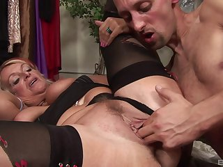Mature chubby granny Sophie seduces a younger guy come by a hardcore fuck