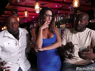 Several black dudes fuck deep throat and wet cunt be beneficial to juggy milf Dava Foxx