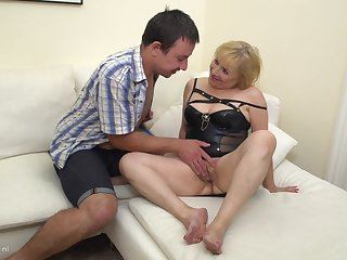 Chubby mature amateur blonde Lisah pounded doggy style hard