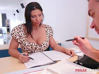 Lewd beamy racked slut Missy Gold wanna be fucked hard on the table