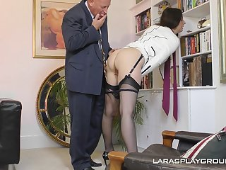 Mature amateur brunette Paul strips with the post with an increment of teases her boss