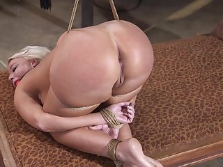 Stunning milf fucked in a perfect vassalage tryout