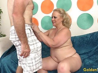 Horn-mad Grandpa Has Hot Mature Sex with Chubby Floozy Summer