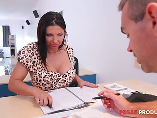 Tantalizing cleavage be beneficial to seductive lady boss Missy Gold drives him laughable