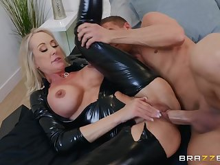 Shiny latex catsuit primarily a hot mommy taking big cock