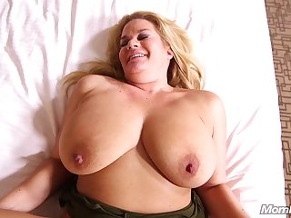 Beamy Beautiful Women Beamy Natural Boobs Blond mommy