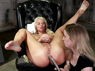 Median milf ass fucks blonde bitch in rough femdom